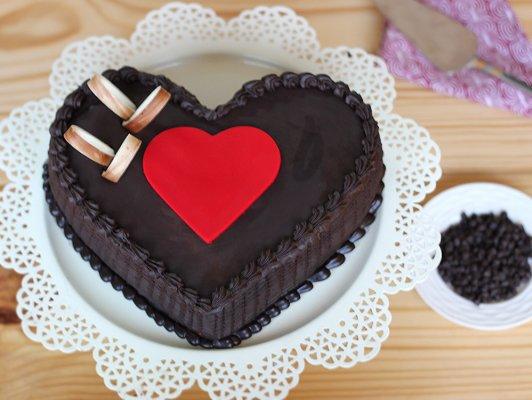 Chocolate Truffle Heart Cake for you